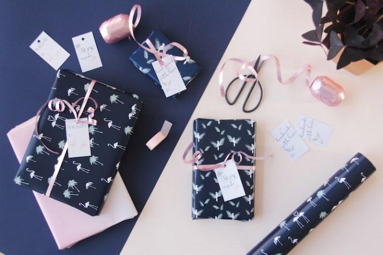 Free Download Papier Cadeau Téléchargeable Tropical Flamingo - Perroquet // Hëllø Blogzine blog deco & lifestyle www.hello-hello.fr