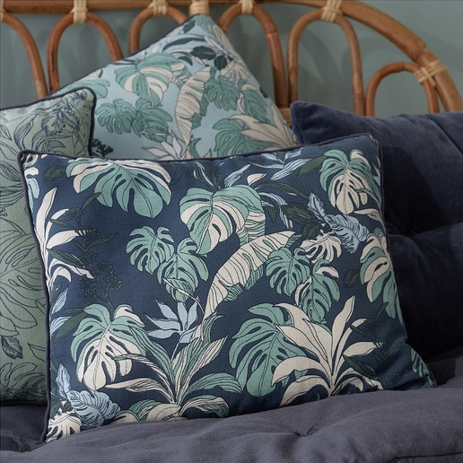 Coussin monstera. Collection Déco Monoprix Rentrée 2017 // Hëllø Blogzine blog deco & lifestyle www.hello-hello.fr