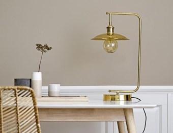 Lampe de bureau dorée // Hëllø Blogzine blog deco & lifestyle www.hello-hello.fr
