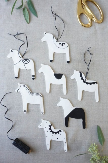 dala-horse-ornaments
