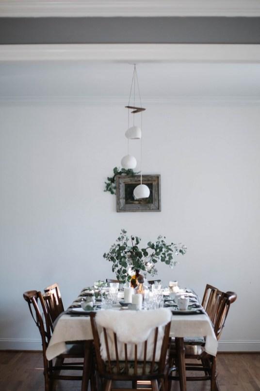 Table de fête nature, kinfolk, scandinave // Hellø Blogzine - Blog déco Lifestyle - www.hello-hello.fr