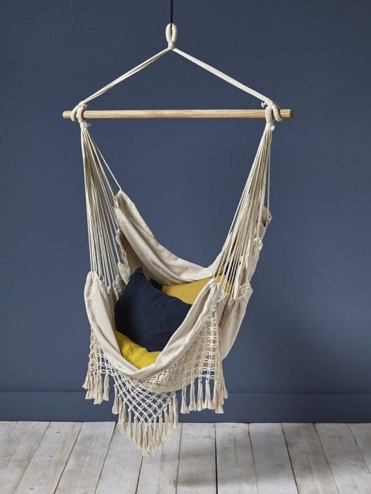 chaise-hamac-en-bois-et-coton