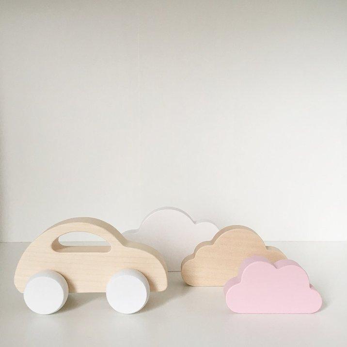 Les jouets en bois poétiques et écolo de Briki Vroom Vroom // Hëllø Blogzine blog deco & lifestyle www.hello-hello.fr