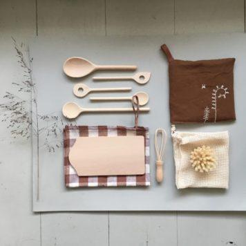 Set d'ustensiles de cuisine pour enfant en bois Woodchuck // Hëllø Blogzine blog deco & lifestyle www.hello-hello.fr