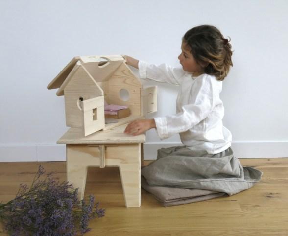 Maison de poupée en bois Smallable // Hellø Blogzine blog deco & lifestyle www.hello-hello.fr