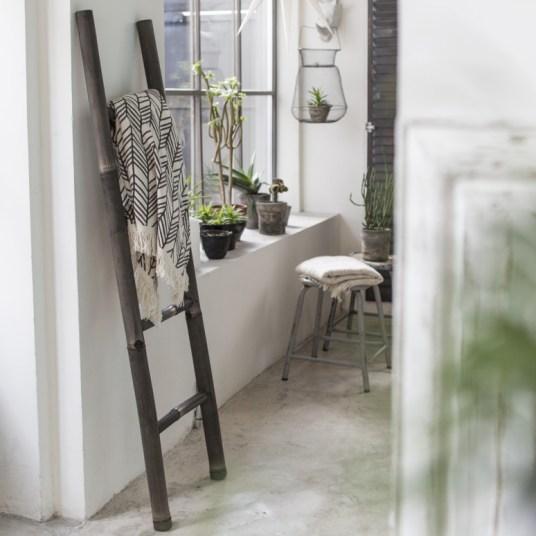 o acheter une chelle en bois le must have pour d corer. Black Bedroom Furniture Sets. Home Design Ideas