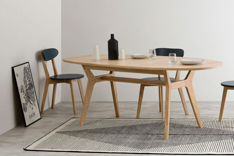 table-a-manger-bois-style-scandi-MADE