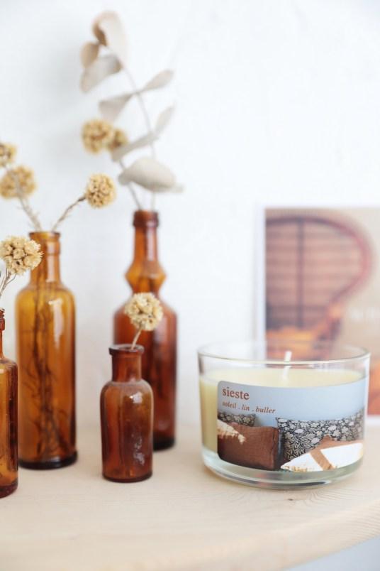 Personnaliser une bougie - Etiquette téléchargeable gratuitement // Hëllø Blogzine blog deco & lifestyle www.hello-hello.fr