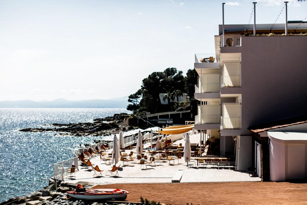 Ces hôtels ultra instragrammables qui nous font rêver Hôtel Les Roches Rouges// Hëllø Blogzine blog deco & lifestyle www.hello-hello.fr