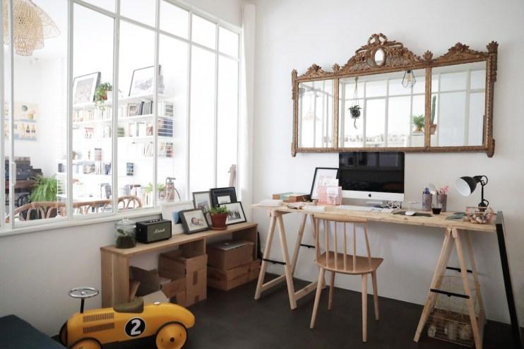Une cloison qui laisse entrer la lumière // Hëllø Blogzine blog deco lifestyle www.hello-hello.fr