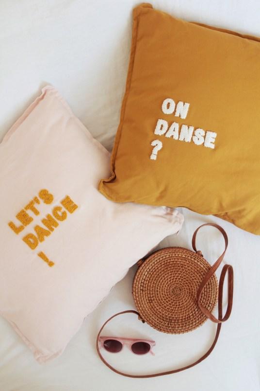 Coussins punch needle Laetitia Dalbies x Bonjour la Smala // Hellø Blogzine blog deco & lifestyle www.hello-hello.fr