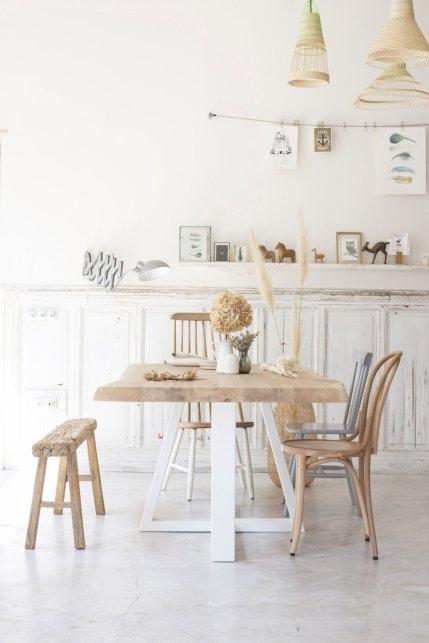Astuces pour dépareiller des chaises autour d'une table // Hëllø Blogzine blog deco & lifestyle www.hello-hello.fr