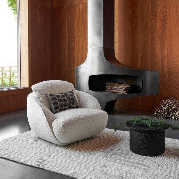 Où trouver un fauteuil blanc en bouclette // Hëllø Blogzine blog deco & lifestyle www.hello-hello.fr