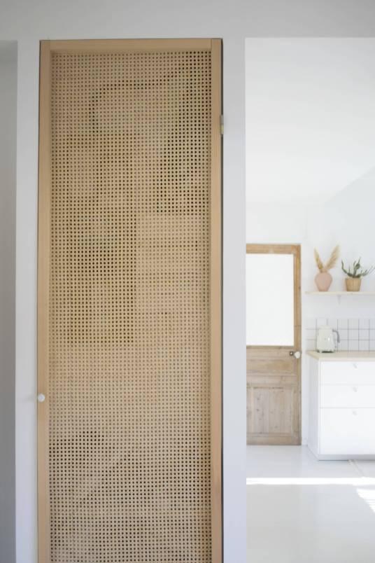 La maison épurée aux influences méditerranéennes de Bon Voyage Camille // Hellø Blogzine blog deco & lifestyle www.hello-hello.fr