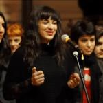 Camélia Jordana (chant), les Glotte-Trotters (choeurs)