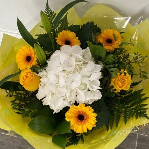Yellow pearl Flower Bouquet