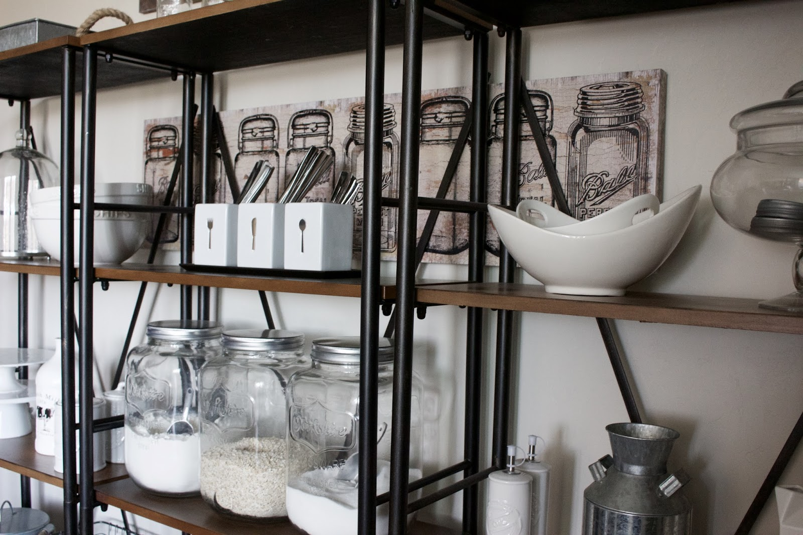 farmhouse dining shelves
