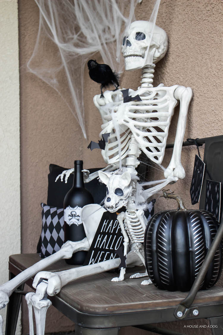 Simple & Spooky Halloween Porch - Skeletons & Bats | helloallisonblog.com