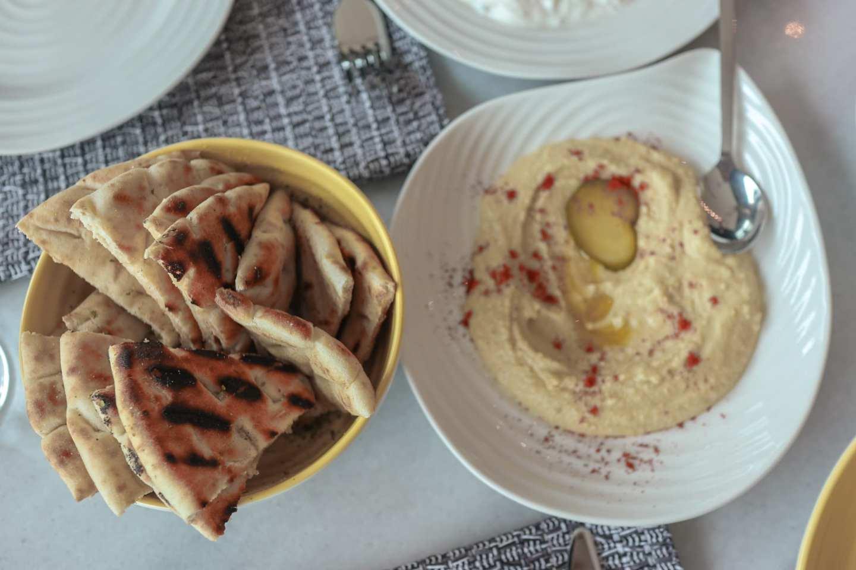 Lemoni, Reading - Greek food by the Oracle