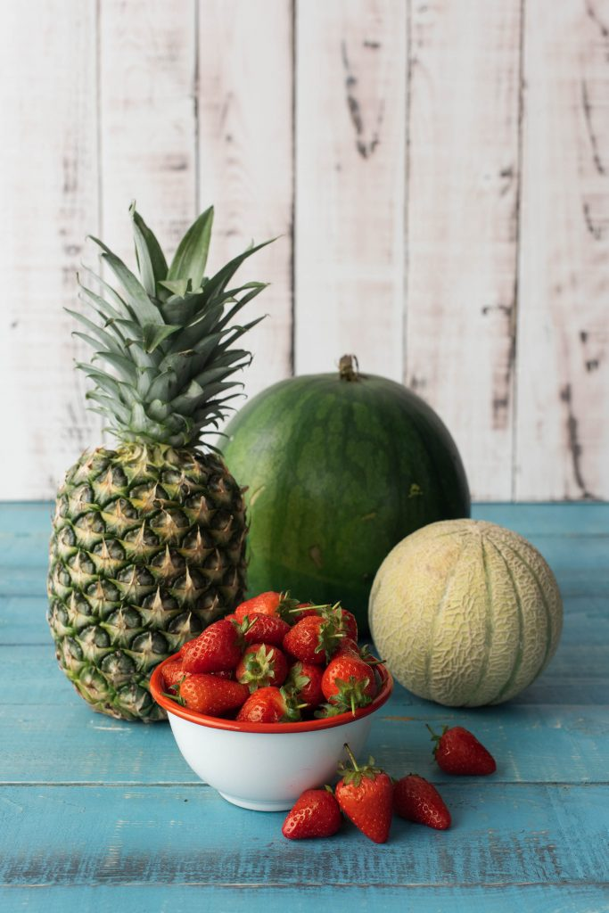 fruits and veggies-HelloFresh-how to tell if a pineapple is ripe