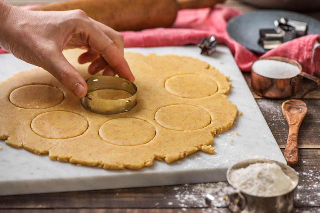 holiday cookie recipes-HelloFresh-linzer-tart