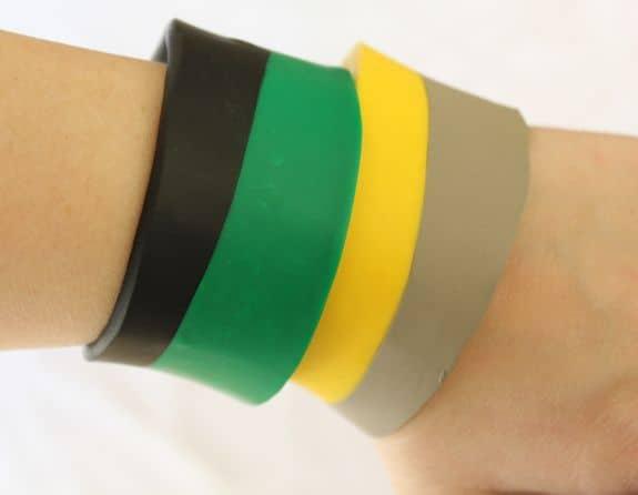 DIY Colorblock Bracelets | HelloGlow.co