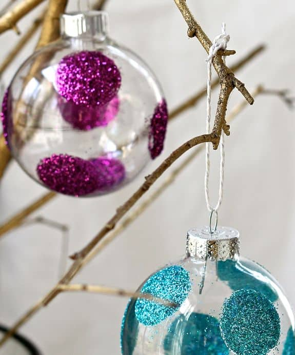 DIY Polka Dot Glitter Ornaments | HelloGlow.co