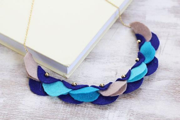 diy garland necklace
