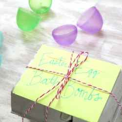 How to Make Colorful Easter Egg Bath Bombs