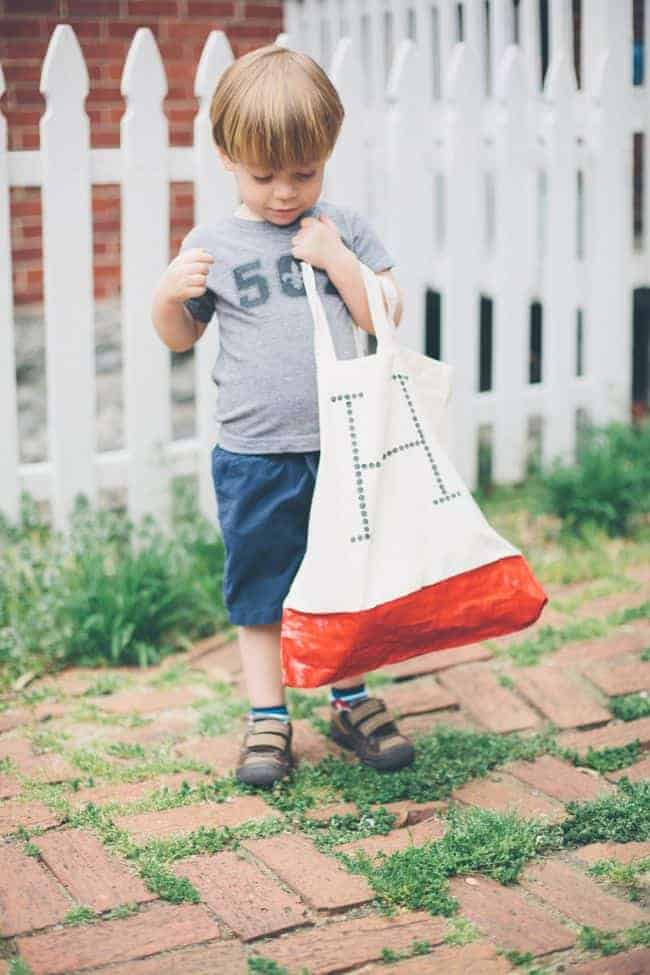 DIY Initial Tote Bags - Hello Glow