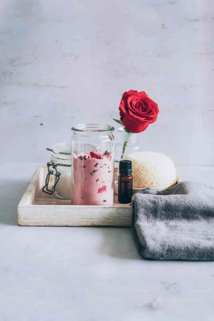 Homemade Milk Bath wit Roses