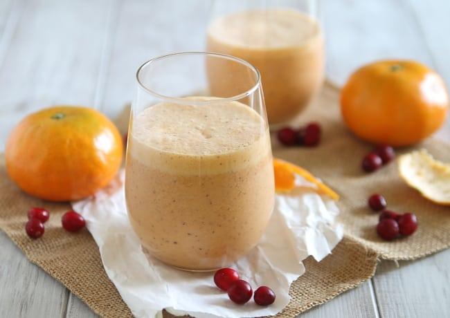 Citrus Cranberry Smoothie | HelloGlow.co
