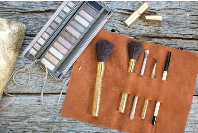 Makeup brush holder   Hello Glow