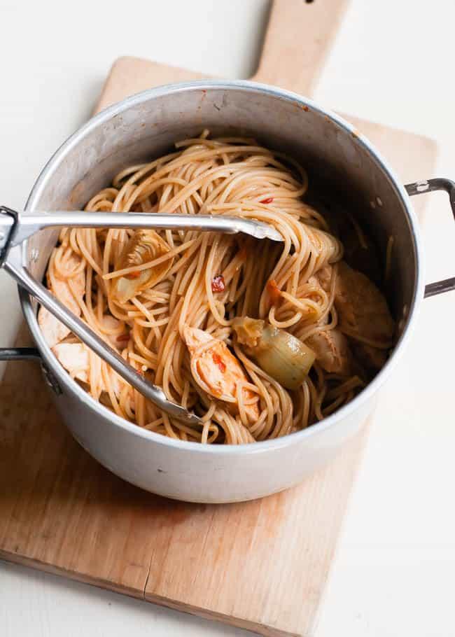 Spaghetti with Artichokes and Chicken | Hello Glow