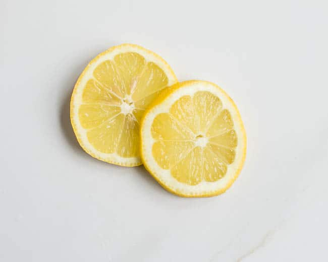 5 ways to clean skin without soap lemon | HelloGlow.co