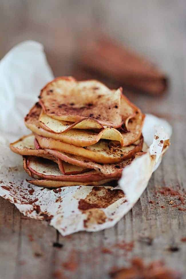 Baked Apple Chips with Cinnamon and Ginger   30 Healthy Chip Recipes