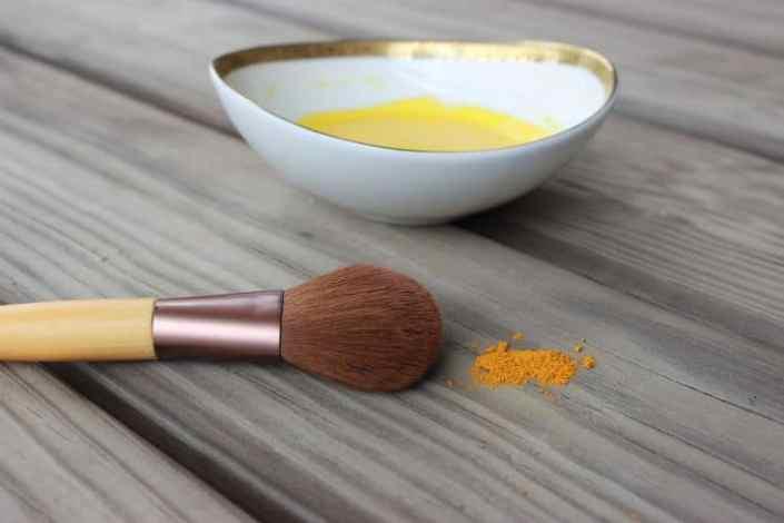 Turmeric face mask | 11 Turmeric Beauty Recipes