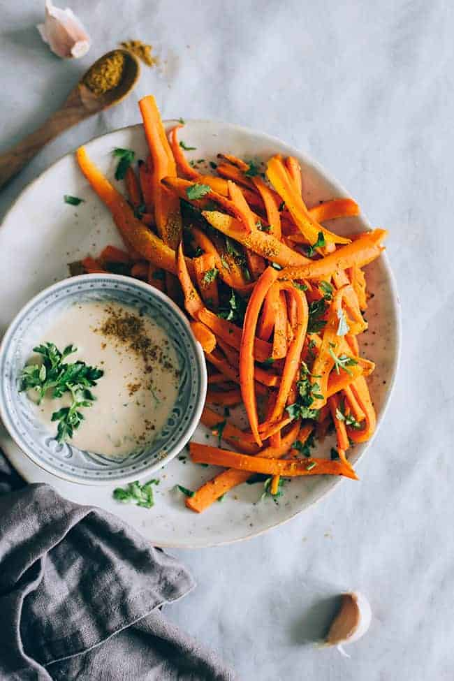 Crispy Curry Garlic Carrot Fries