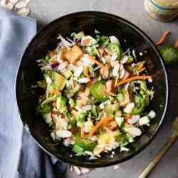 How to Build a Power Salad Work Lunch to Keep You Full + Energized
