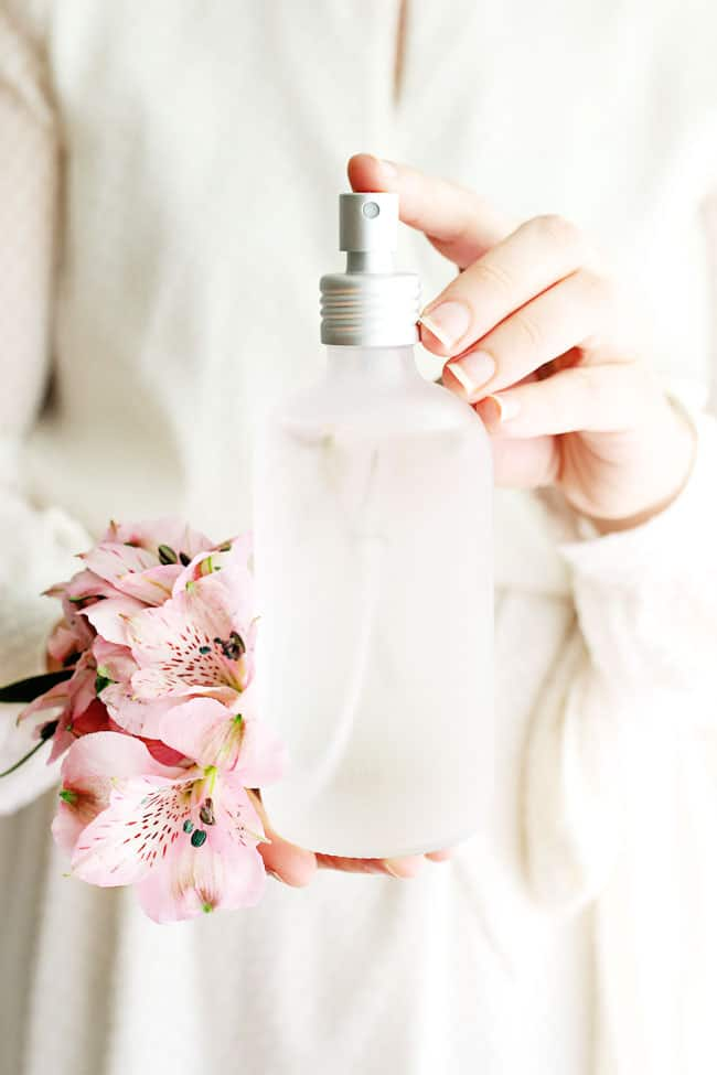Make This Fresh Flower Petal Perfume for Mother's Day
