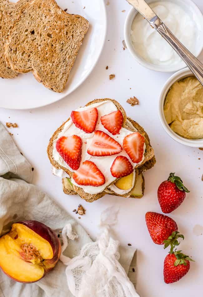 4 Metabolism Boosting Fruit Toast Recipes