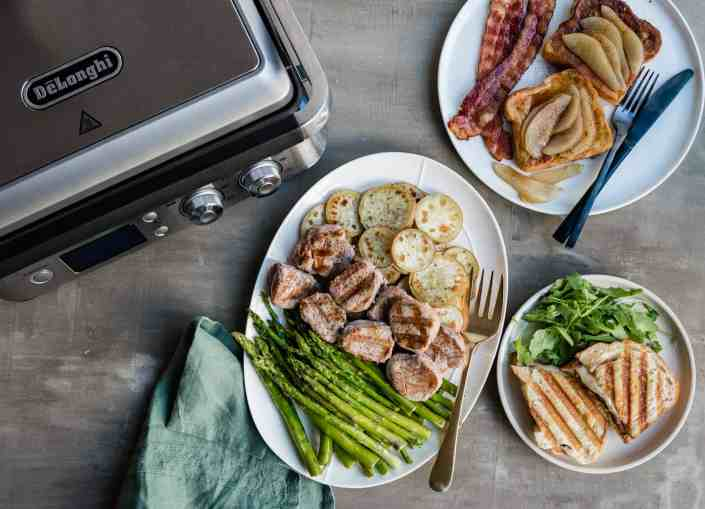 Easy Holiday Menu For a Whole Day made with the DeLonghi Livenza All-Day Grill | HelloGlow.co