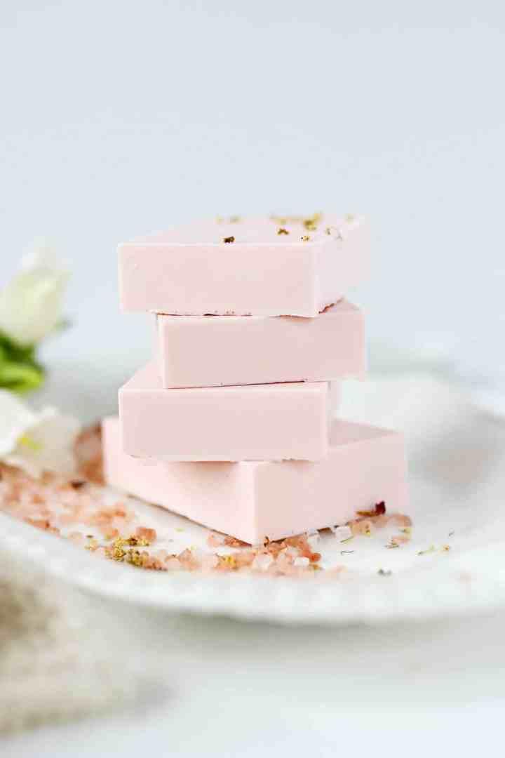 Healing Calamine Soap for Sensitive Skin (DIY Lush Fresh Farmacy!)