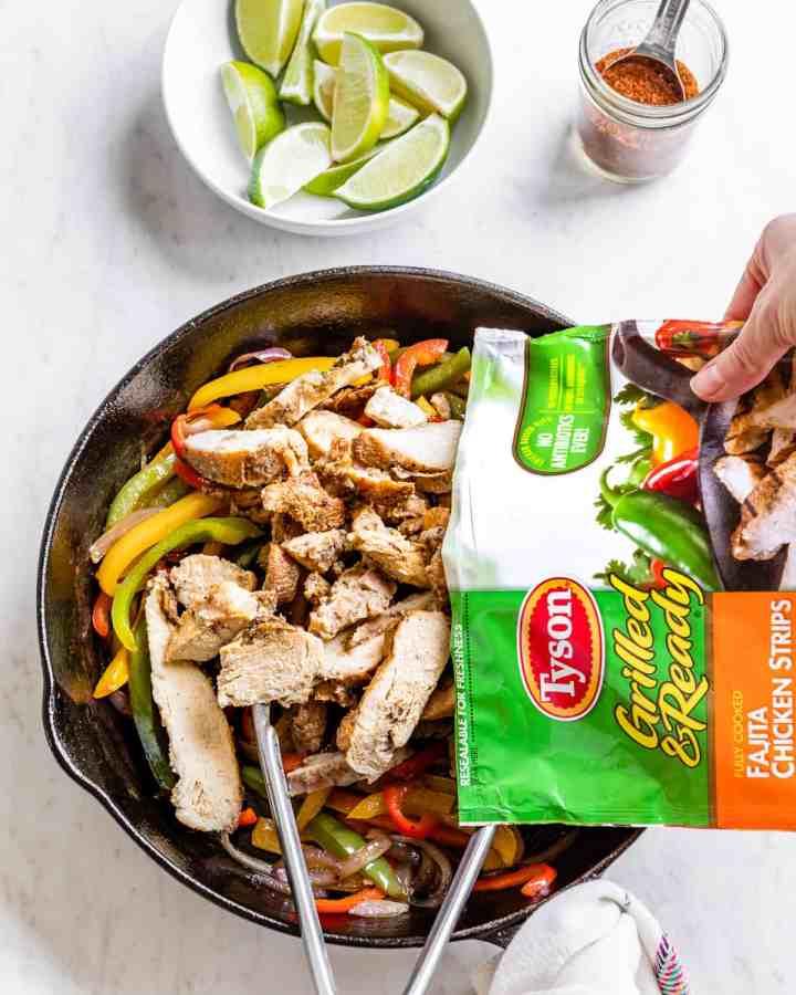 Chicken Fajita Meal Prep Bowls | HelloGlow.co #mealprep