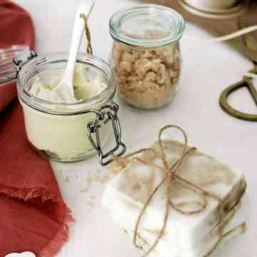 Homemade Holiday Gifts with Starbucks
