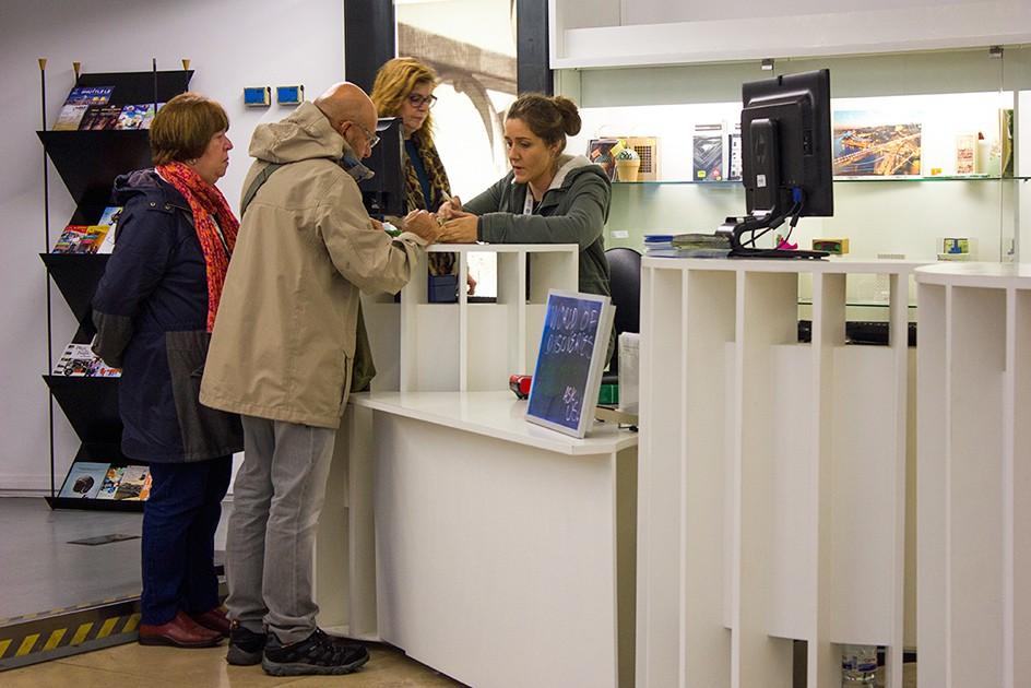 In Ufficio Turismo : Ufficio turismo del comune di cesenatico bagno tosca u design per