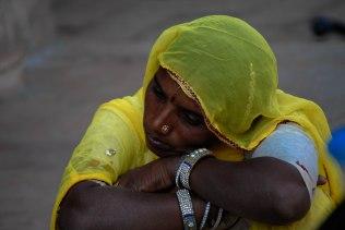 A woman waiting outside the bank, Jaisalmer Photo: ILeontie