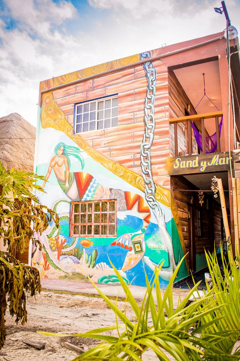 maison colorée à holbox