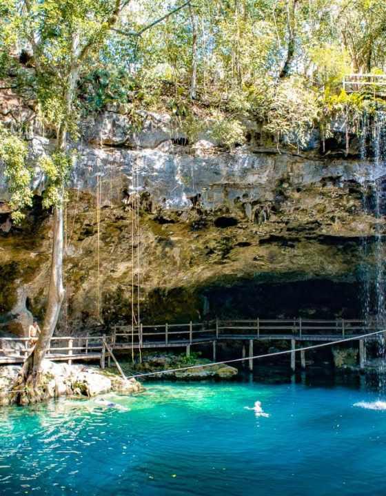 X'Canché à Ek Balam :  un superbe cénoté au  milieu des ruines mayas