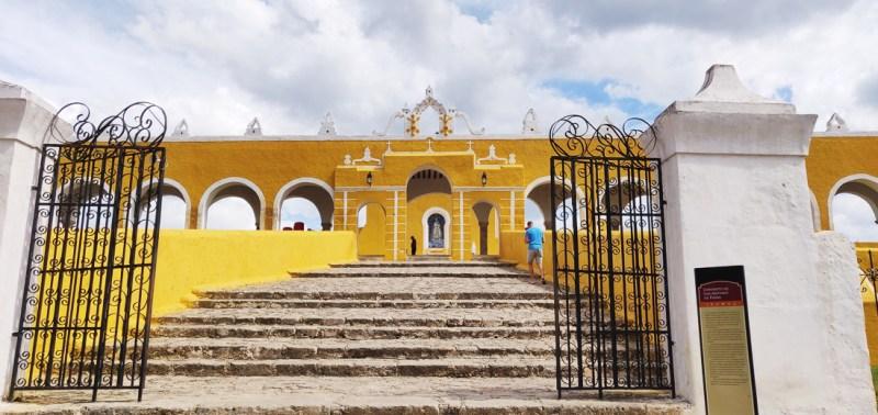 monter les escalier du couvent d'izamal